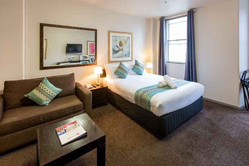 Deluxe Queen Room Living Area